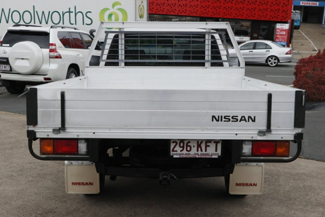 2011 Nissan Navara D22 S5 DX 4x2 Cab chassis