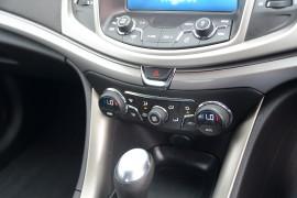 2016 Holden Commodore VF II MY16 EVOKE Sedan image 15