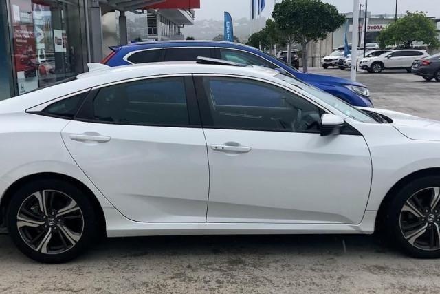 2019 Honda Civic Sedan 10th Gen VTi-LX Sedan Image 3