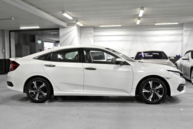 2018 Honda Civic 10th Gen  RS Sedan Image 3