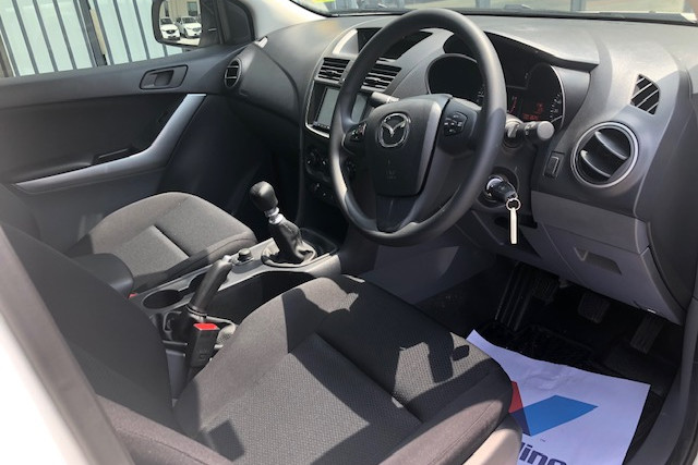 2019 Mazda BT-50 UR 4x4 3.2L Dual Cab Chassis XT Cab chassis Image 8