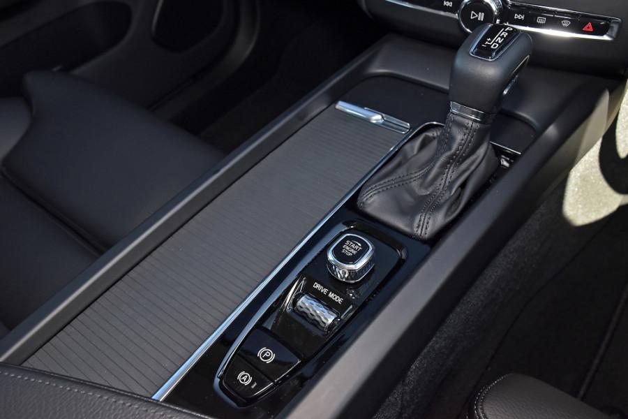 2019 Volvo XC60 UZ D4 Momentum Suv Mobile Image 18