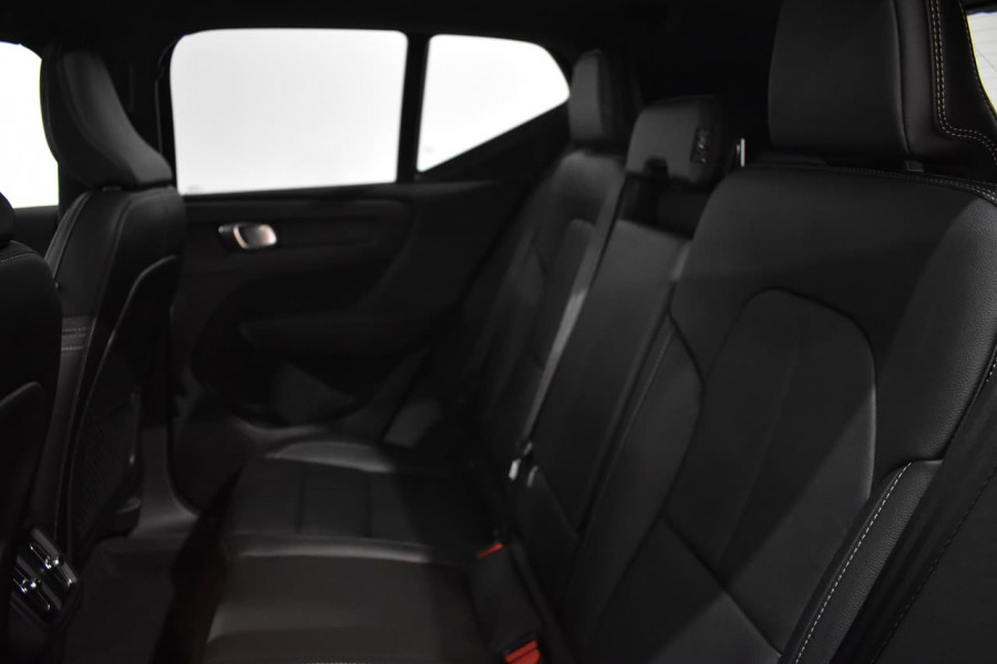 2019 Volvo Xc40 (No Series) MY19 T4 Momentum Suv Mobile Image 13