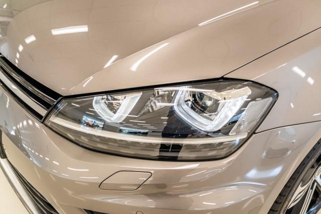 2016 Volkswagen Golf 7 R Hatchback Image 10