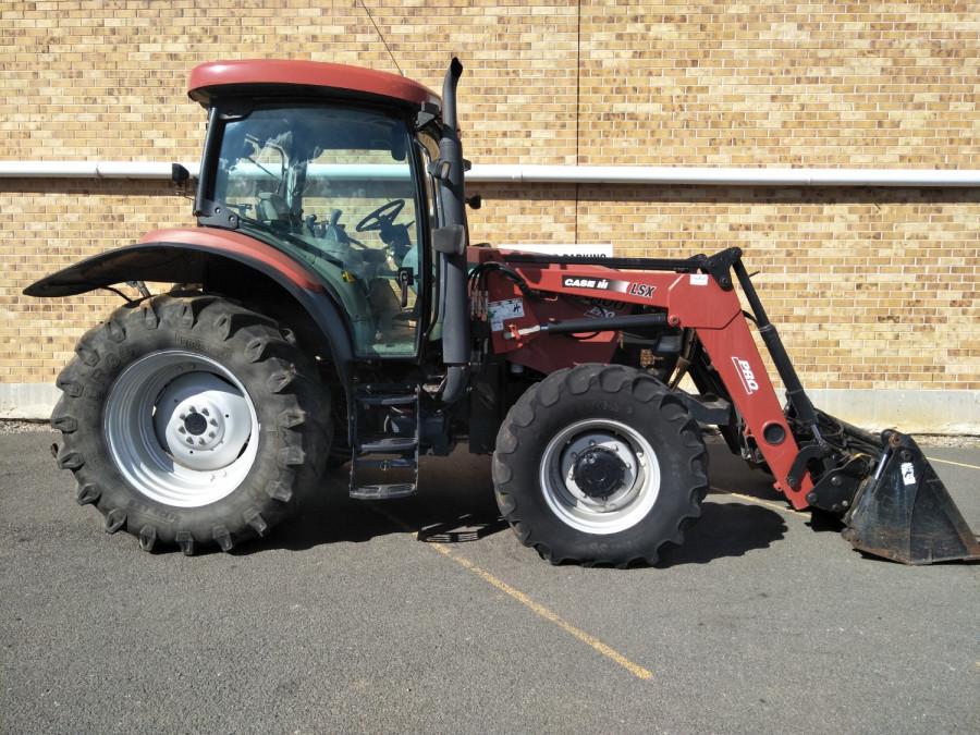 Case IH MXU 100 PRO Tractor crawler Image 6