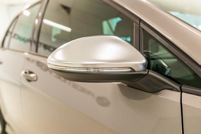 2016 Volkswagen Golf 7 R Hatchback Image 16