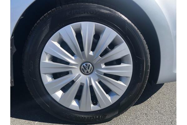 2015 Volkswagen Polo Hatchback Image 2