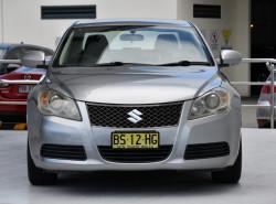 2010 Suzuki Kizashi FR XL Sedan Image 2