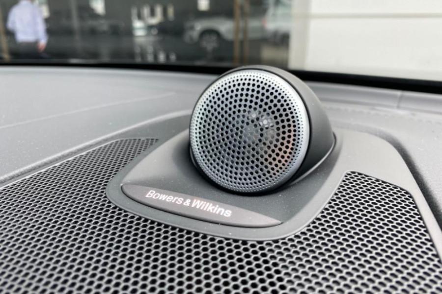 2020 Volvo XC60 UZ T6 R-Design Suv Mobile Image 5