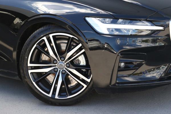 2020 Volvo S60 Z Series T5 R-Design Sedan Image 4