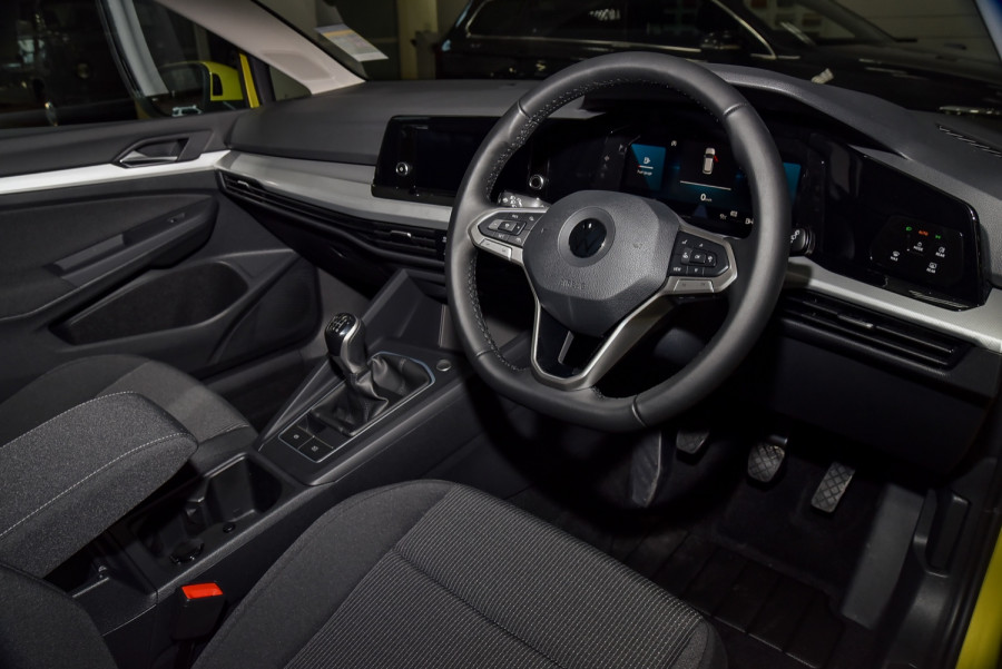 2021 Volkswagen Golf 8 110TSI Golf Hatch Image 6