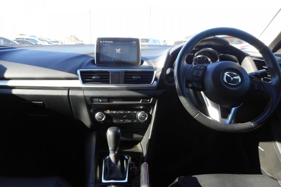 2015 Mazda 3 Hatchback Image 14