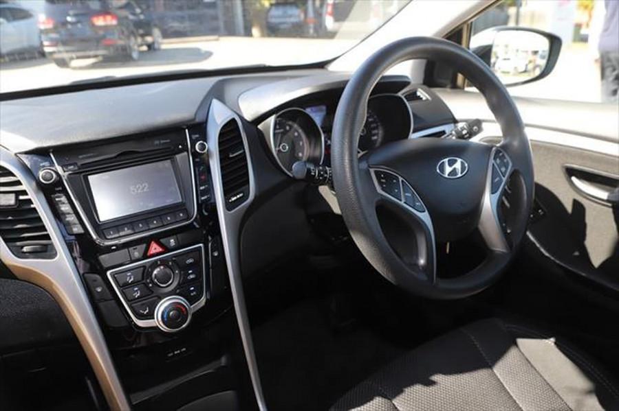 2013 Hyundai I30 GD SE Hatchback Image 11