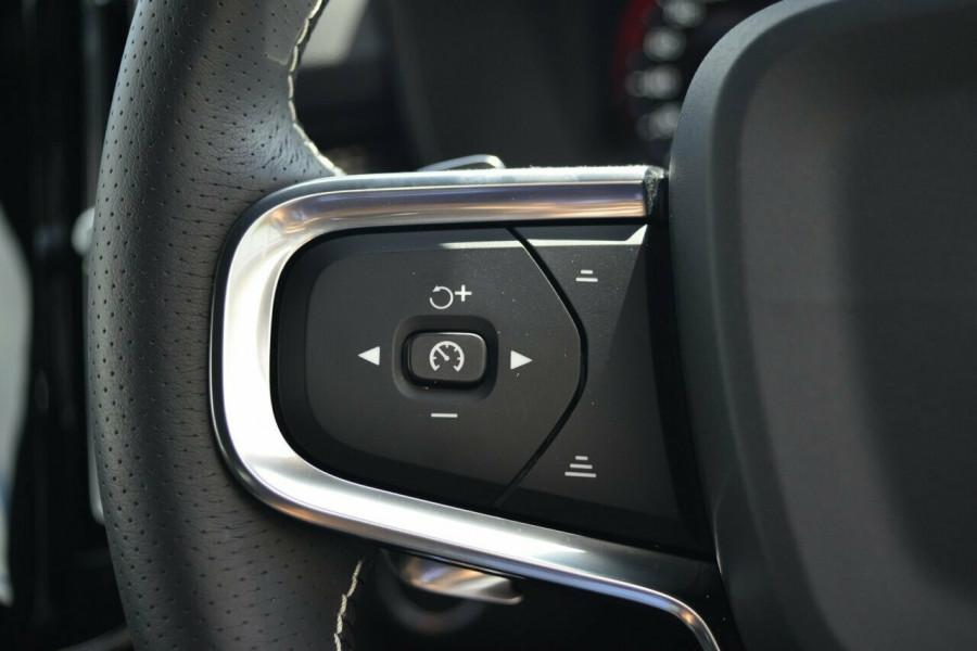 2019 Volvo XC40 XZ T5 R-Design Suv Image 14