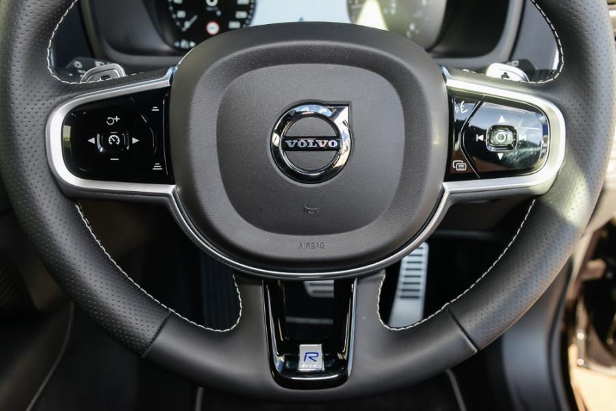2018 Volvo XC90 L Series D5 R-Design Suv Mobile Image 10