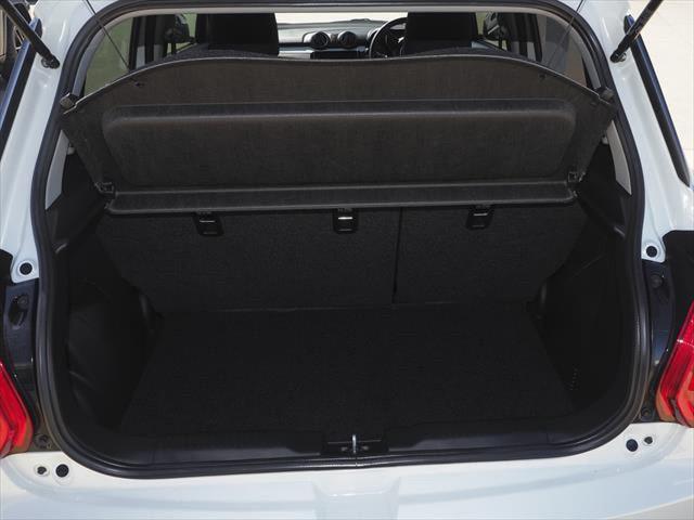 2021 Suzuki Swift AZ Series II GL Navigator Hatchback Image 4