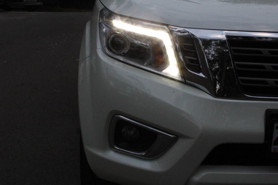 2017 Nissan Navara ST-X Image 10