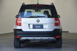 2012 Skoda Yeti 5L 103TDI Wagon Image 4