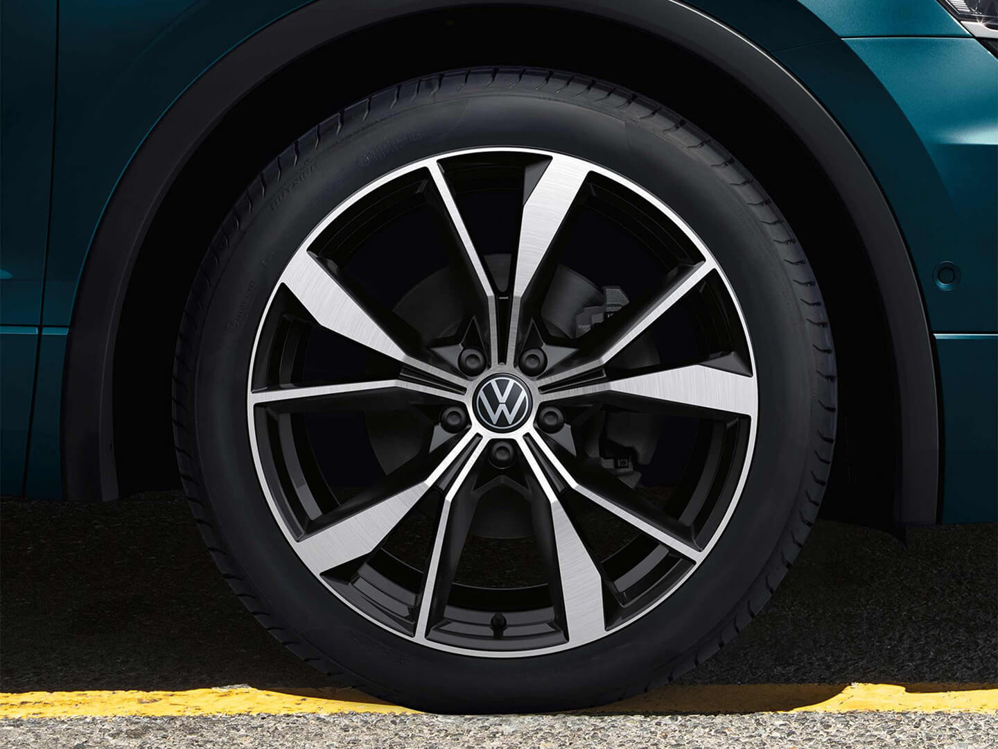 Roll up in style Alloy Wheels Image