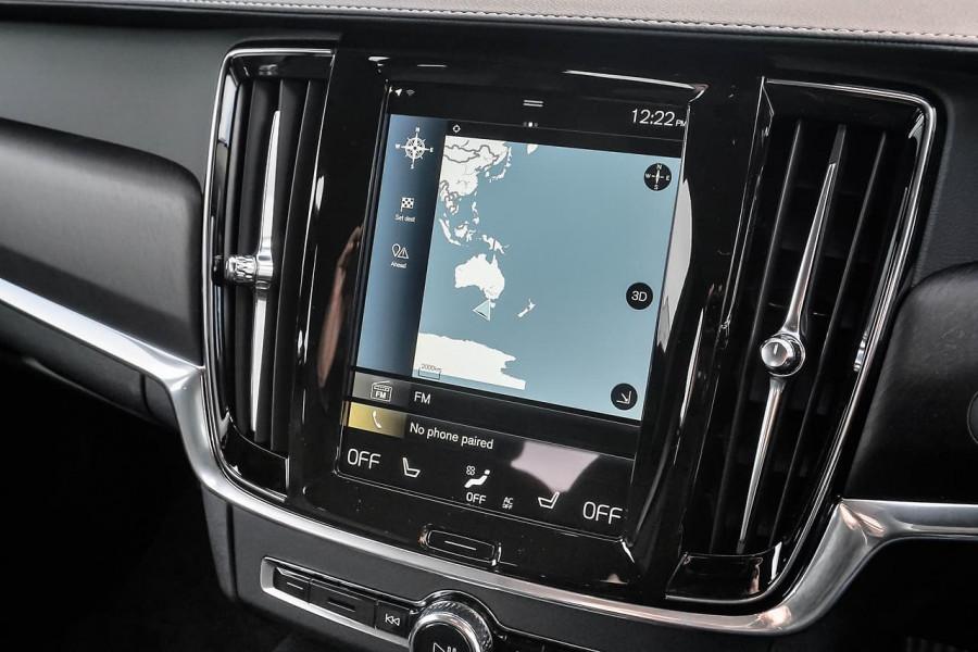 2020 Volvo V90 Cross Country D5 Wagon Image 9