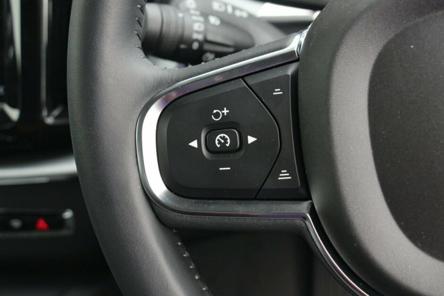 2018 MY19 Volvo XC60 UZ T5 Momentum Suv Image 12