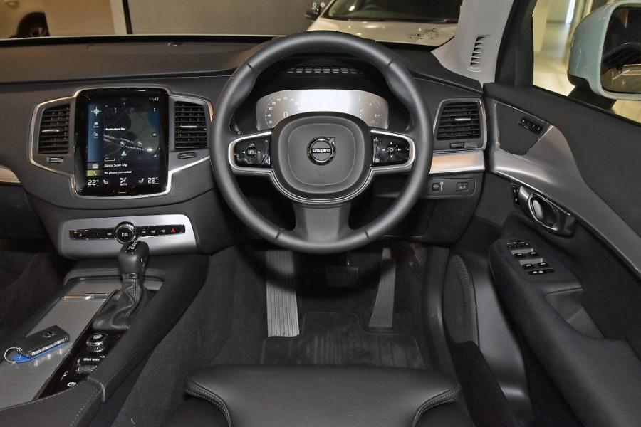 2019 Volvo XC90 L Series D5 Momentum Suv Mobile Image 3