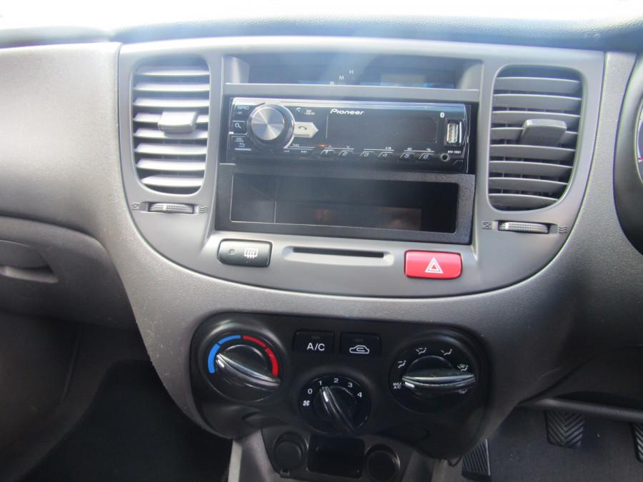 2009 Kia Rio JB MY09 LX Hatchback Image 14