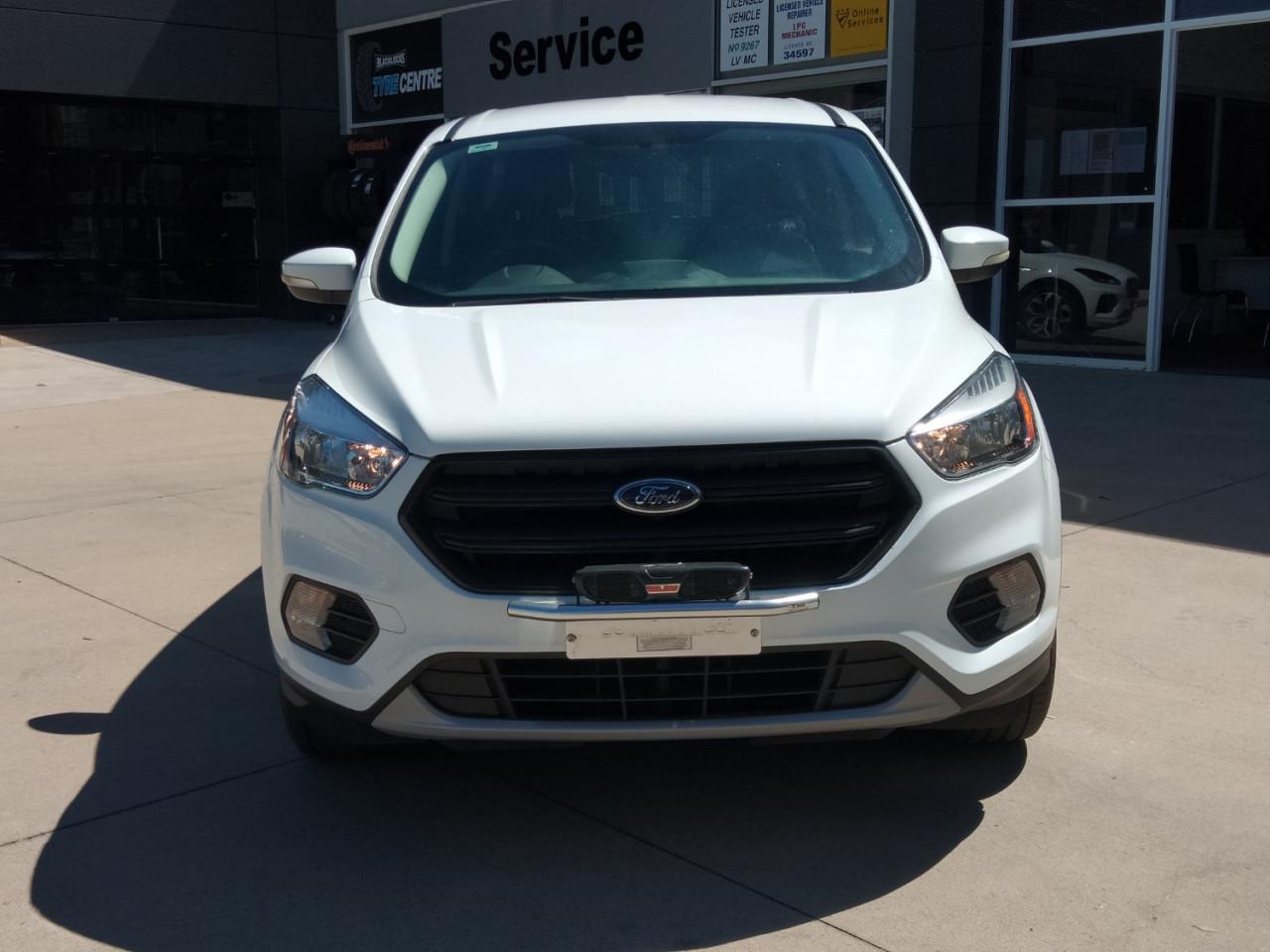 2017 Ford Escape ZG AMBIENTE Suv Image 2