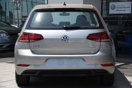 2019 Volkswagen Golf 7.5 110TSI Trendline Hatchback Image 4
