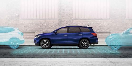 Pathfinder 360-degree makes parking easier