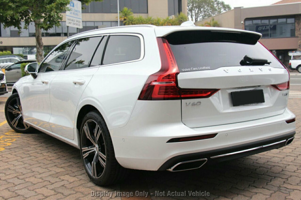 2020 Volvo V60 F-Series T5 Inscription Wagon Image 3