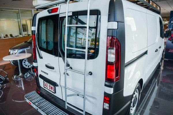 2020 MY22 Mitsubishi Express SN GLX SWB Auto Van Image 4