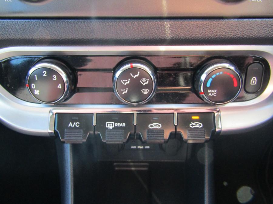 2013 Kia Rio UB  SLi Hatchback Image 21