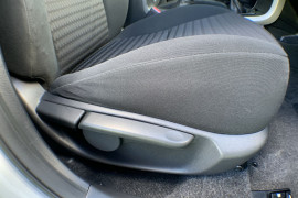 2008 Toyota Corolla ZRE152R Ascent Sedan Image 5