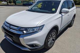 Mitsubishi Outlander LS - Safety Pack ZK  LS Safety