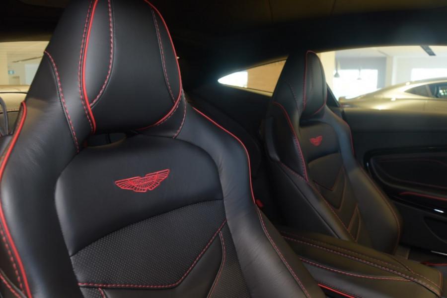 2018 MY19 Aston martin Dbs Superleggera Coupe Image 14