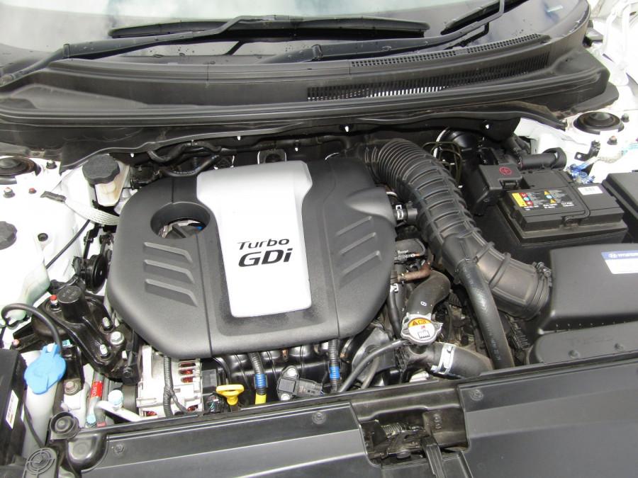 2017 Hyundai Veloster FS5 Series II SR Turbo Hatchback Image 16