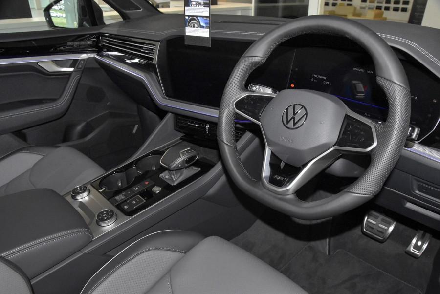 2020 MY21 Volkswagen Touareg CR 210TDI R-Line Suv Image 15