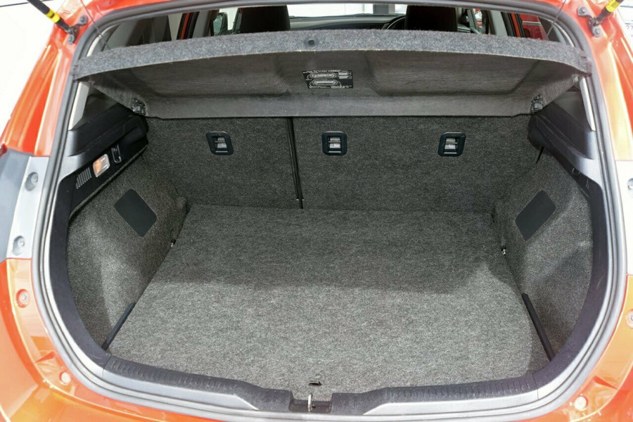 2017 Toyota Corolla ZRE182R Ascent Sport Hatchback Mobile Image 11