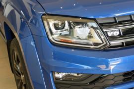 2019 MYV6 Volkswagen Amarok 2H Highline Black 580 Utility Image 3