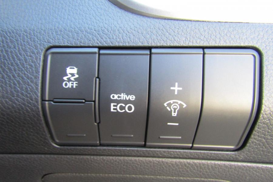 2013 MY14 Hyundai i30 GD2 Premium Hatchback Image 12