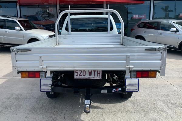 2016 Mitsubishi Triton Cab chassis