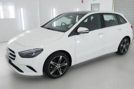 2019 Mercedes-Benz B180 W247 B180 Hatchback Image 3