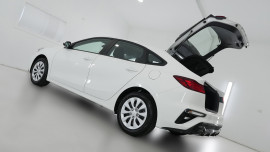 2021 MY1  Kia Cerato BD S with Safety Pack Hatchback