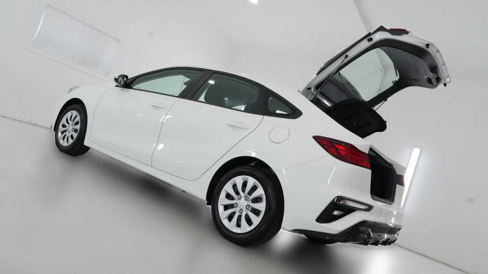 2021 MY1  Kia Cerato BD S with Safety Pack Hatchback Image 24