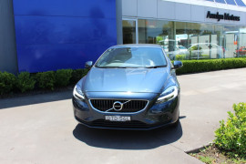Volvo V40 T3 Momentum (No Series) MY18