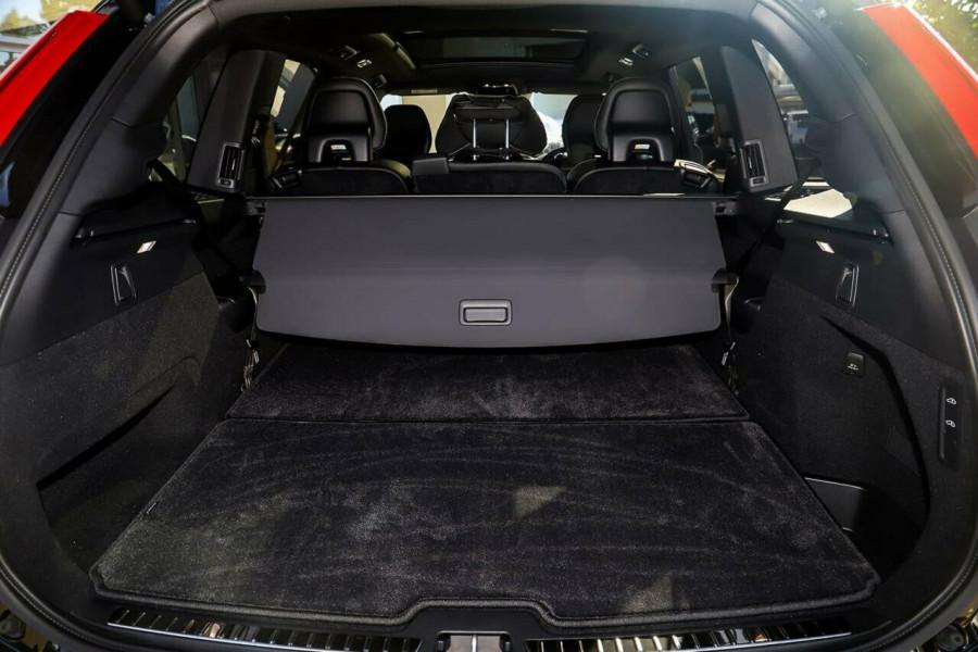 2019 Volvo XC90 L Series D5 R-Design Suv Mobile Image 17