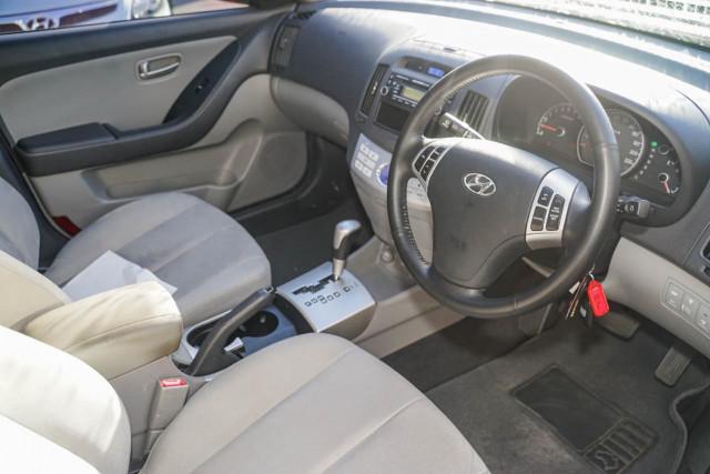 2008 Hyundai Elantra HD SLX Sedan Image 5