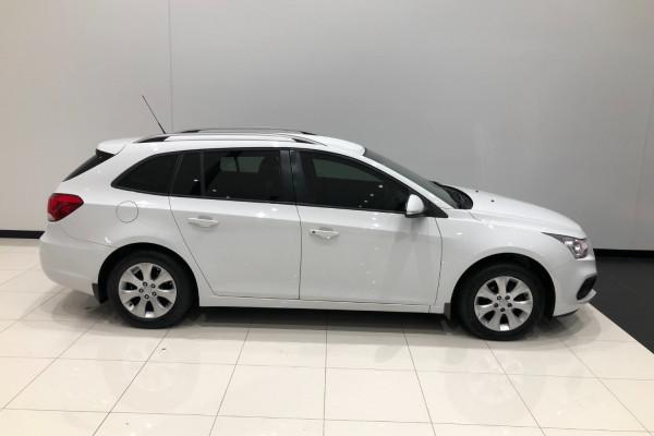 2015 Holden Cruze JH Series II CD Wagon Image 2