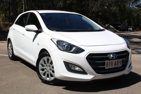 2015 MY16 Hyundai I30 Hatchback Image 2